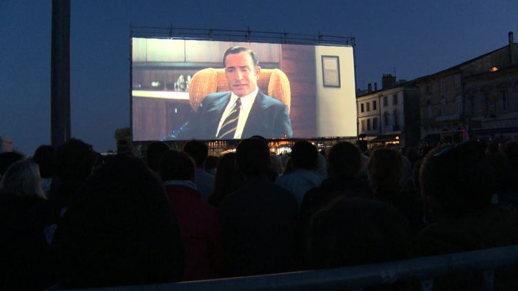 """Le film """"OSS 117 : Alerte rouge en Afrique noire"""" était projeté en avant première au festival Les vendanges du 7e art de Pauillac. (France 3 Nouvelle-Aquitaine)"""