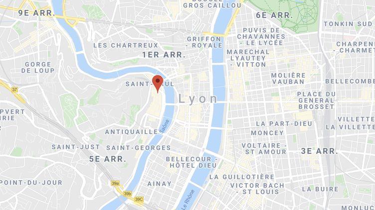"""L'agression s'est déroulée au bar """"The Big White"""" dans le 5e arrondissement de Lyon. (GOOGLE MAPS)"""