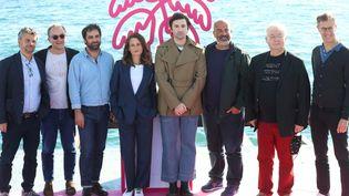 Antoine Garceau (à gauche), avec à ses côtés Gregory Montel, Camille Cottin, Nicolas Maury, Marc Fitoussi, Dominique Besnehardet Harold Valentin le 13 octobre 2020 à Cannes. (VALERY HACHE / AFP)