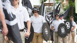 Des militants d'extreme droite armés de boucliers, à Charlottesville (Virginie), le 12 août 2017. (MAXPPP)