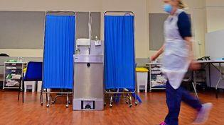 Un centre de vaccination contre le Covid-19 à Derby, dans le centre de l'Angleterre, le 20 septembre 2021. (PAUL ELLIS / AFP)