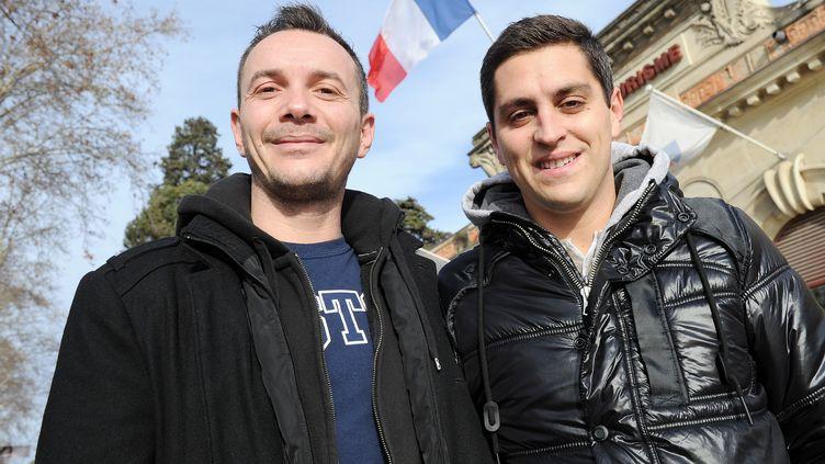 Vincent (G) et Bruno, le premier couple homosexuel à se marier en France, photographiés le 12 janvier 2013 à Montpellier, dans l'Hérault. (PASCAL GUYOT / AFP  )
