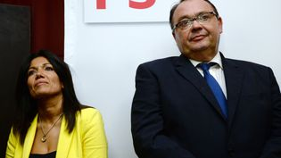 Les socialistes Samia Ghali et Patrick Mennucci, le 20 octobre 2013 à Marseille (Bouches-du-Rhône). (ANNE-CHRISTINE POUJOULAT / AFP)