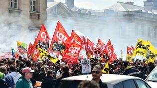 Manifestation de cheminots contre la réforme de la SNCF, à l'appel de l'intersyndicale de la compagnie ferroviaire le 5 mai 2018. (MAXPPP)