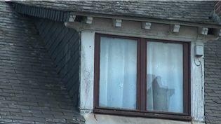 42 communes de l'Aisne offrent une prime de 5 000 € pour l'achat de maisons à l'abandon. Une initiative qui entend éviter la dégradation de ces biens inhabités pour dynamiser les territoires ruraux. (FRANCE 2)