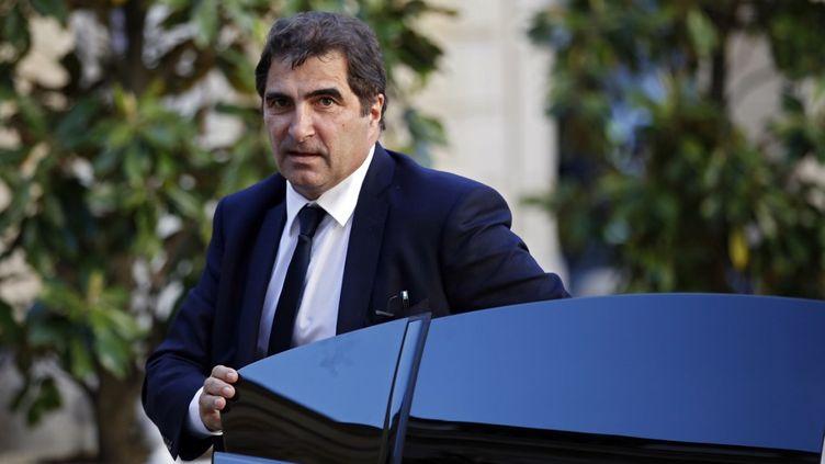 Le président des Républicains Christian Jacob, le 20 mai 2020 devant l'hôtel Matignon à Paris. (THOMAS COEX / AFP)