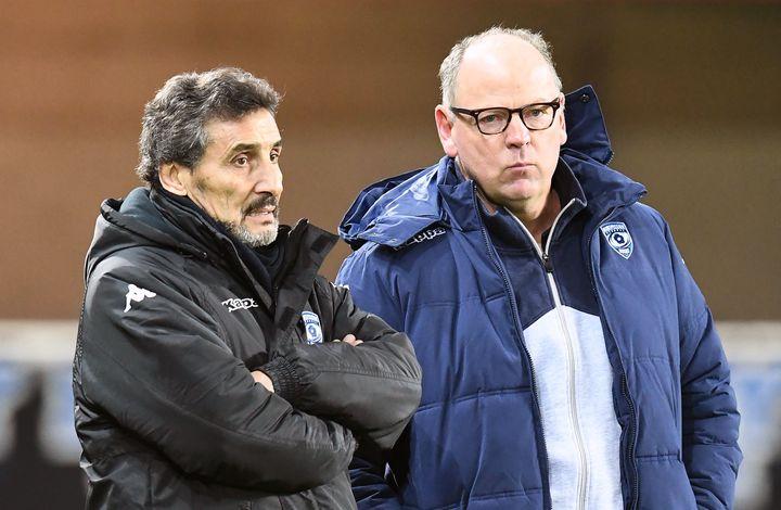 Mohed Altrad et Jake White l'air perplexe. Le président et l'entaîneur du Montpellier Hérault Rugby sont conscients que la qualification du MHR relèverait du miracle.