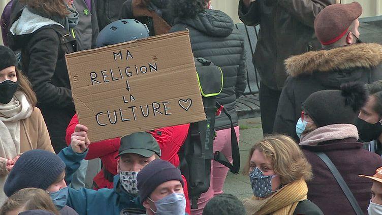 Rassemblement des acteurs de la culture à Rouen pour défendre la réouverture des lieux culturels (France 3 Normandie)