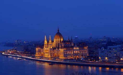 Le Parlement hongrois à Budapest le 3 mars 2016. Le bâtiment, qui imite son homologue britannique, est installé sur les bords du Danube. (REUTERS - Laszlo Balogh)