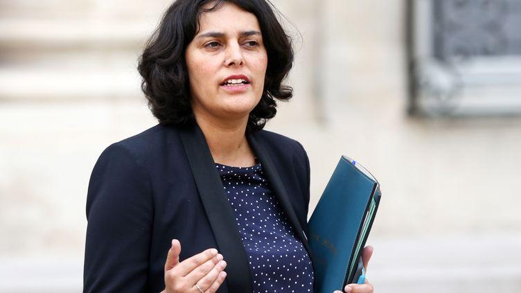 La ministre du Travail, Myriam El Khomri, dans la cour de l'Elysée, le 2 décembre 2015. (YANN BOHAC / CITIZENSIDE.COM / AFP)