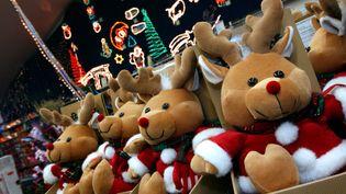"""Un spécialiste de la vente de jouets estime à """"trois mois"""" l'impact du confinement à deux mois de Noël sur les ventes. (MYCHELE DANIAU / AFP)"""