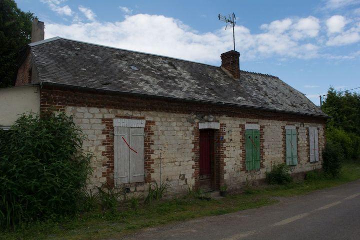 La maison de Jonathan M., au Hérie-la-Viéville (Aisne). (MATHILDE GOUPIL / FRANCEINFO)