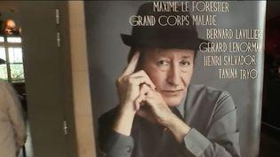 """Il a bientôt 70 ans et le chantre de la musique kabyle n'a jamais quitté la scène. Idir sort un nouvel album """"Ici et ailleurs"""", une dizaine de duos et des reprises de nos plus grands standards.  (FRANCE 3)"""