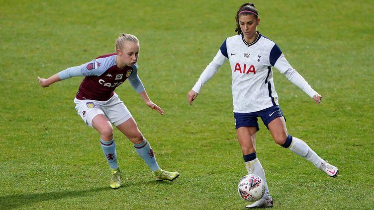 Alex Morgan, sous les couleurs de Tottenham, contre Aston Villa (ZAC GOODWIN / MAXPPP)