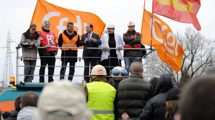 François Hollande, le 24 février 2012 à Florange (Moselle). (JEAN-CHRISTOPHE VERHAEGEN / AFP)