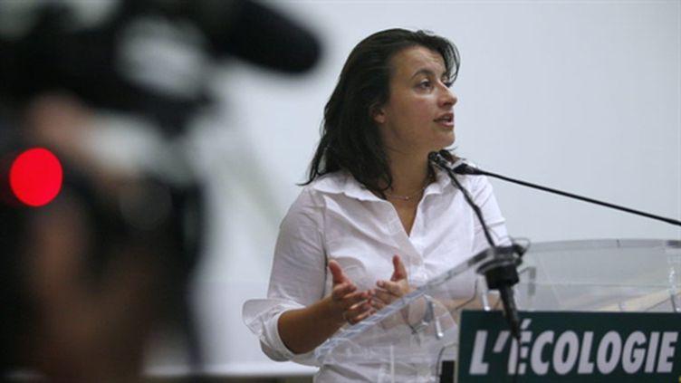 Cécile Duflot fait un discours lors du dernier parlement des Verts avant la fusion avec Europe Ecologie, le 18/9/2010. (AFP - Thomas Samson)