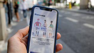 L'application StopCovid est disponible depuis le 2 juin 2020. (THOMAS SAMSON / AFP)
