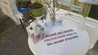 Face à la pandémie de Covid-19, de nombreuses initiatives solidaires sont mises en place. Chaque jour, France Télévisions s'attache à présenter l'une d'entre elles. (FRANCE 2)