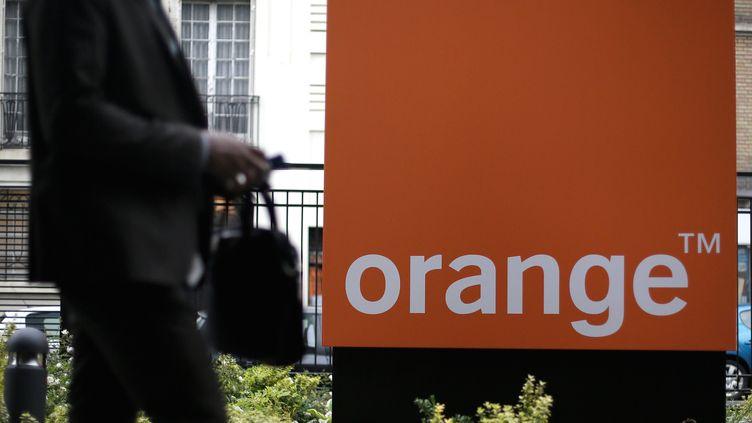 Devant le siège social de l'entreprise Orange, le 17 juin 2013. (MAXPPP)