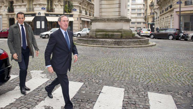 Claude Guéant, l'ancien secrétaire général de l'Elysée, et ancien ministre de l'Intérieur, le 9 octobre 2012 à Paris. (LIONEL BONAVENTURE / AFP)