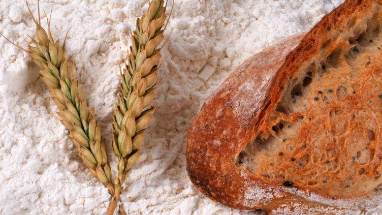 La farine du blé permet de faire du pain. (RICHARD VILLALON / MAXPPP)