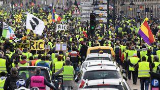 """Une manifestation de """"gilets jaunes"""" à Bordeaux (Gironde), le 9 février 2019. (MEHDI FEDOUACH / AFP)"""