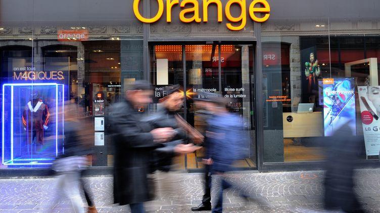 Une boutique Orange à Lille (Nord), en février 2014. (PHILIPPE HUGUEN / AFP)