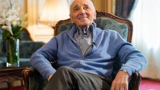 Charles Aznavour à l'hôtel Raphaël, à Paris, le 8 mars 2016. (BALTEL/SIPA)