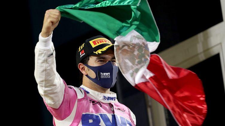 Sergio Perez après avoir remporté le premier Grand Prix de sa carrière à Bahreïn (KAMRAN JEBREILI / POOL)