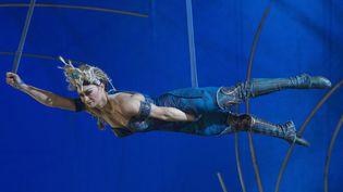 """Une artiste du Cirque du Soleil lors de la générale à Madrid du spectacle """"Amaluna"""".  (Oscar Gonzalez/NurPhoto/AFP)"""