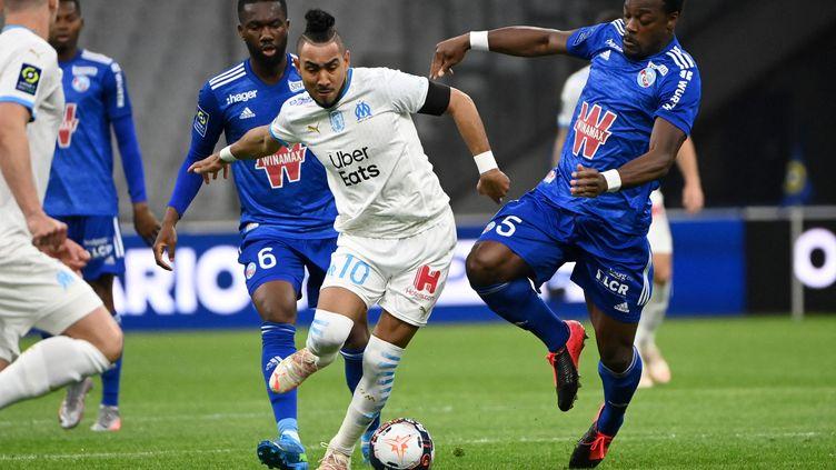 Dimitri Payet et l'Olympique de Marseille font face à Strasbourg lors de la 35e journée de Ligue 1. (CHRISTOPHE SIMON / AFP)