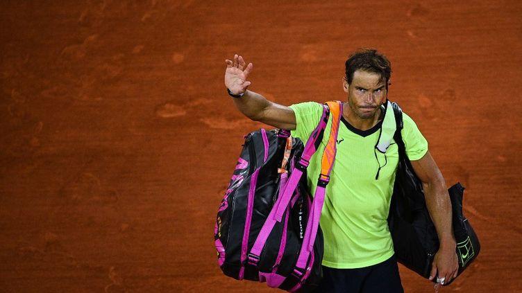 Rafael Nadal ne disputera pas la finale de Roland-Garros cette année. (CHRISTOPHE ARCHAMBAULT / AFP)