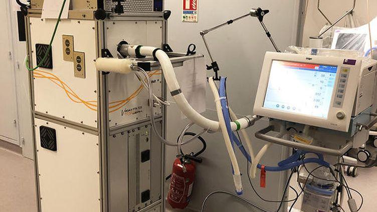 La machine au centre du projet scientifique a pour objectif d'identifier les traceurs ou un ensemble de traceurs du coronavirus. Lyon, juillet 2020. (MATTHIEU RIVA / IRCELYON)