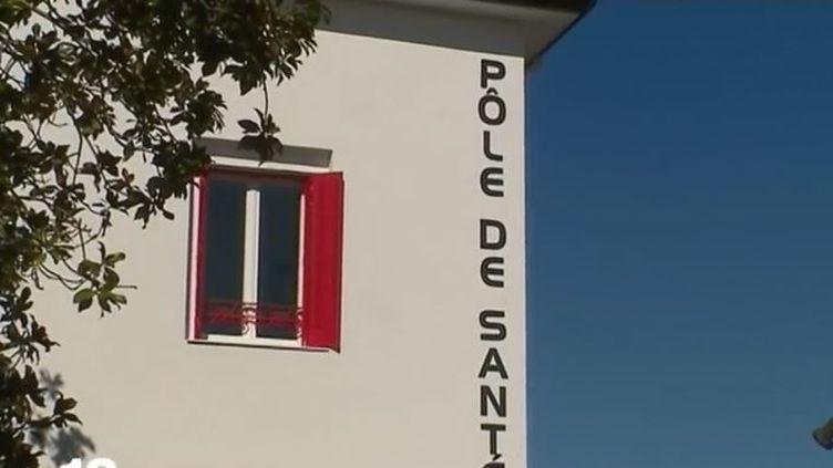A Buros(Pyrénées-Atlantiques), une maison médicale neuve reste vide, faute de médecin (FRANCE 2)