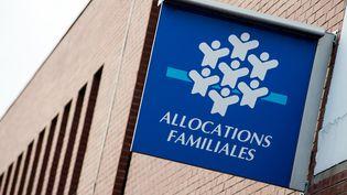Une caisse d'allocations familiales à Tourcoing (Nord), le 30 septembre 2014. (PHILIPPE HUGUEN / AFP)