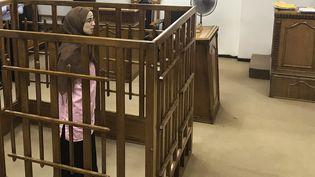 La Française Djamila Boutoutaou lors de son procès le 17 avril 2018, devant la Cour pénale centrale de Bagdad en Irak. (AMMAR KARIM / AFP)