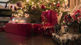 Noël : les parents craignent les pénuries de jouets et débutent déjà la course aux cadeaux (FRANCE 2)