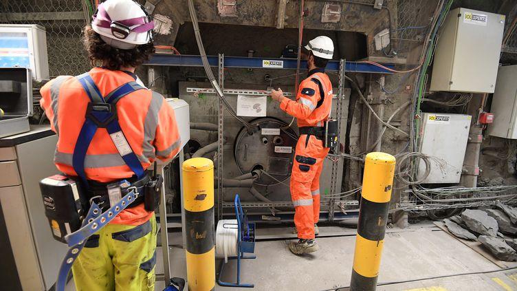Des ouvriers travaillent sur le site Cigeo de Bure (Meuse), le 21 novembre 2017. (FREDERICK FLORIN / AFP)
