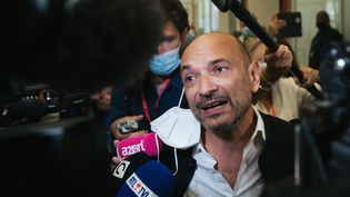 """L'avocat de """"Chalie Hebdo"""" Richard Malka, le 2 septembre 2020. (MARIE MAGNIN / HANS LUCAS / AFP)"""
