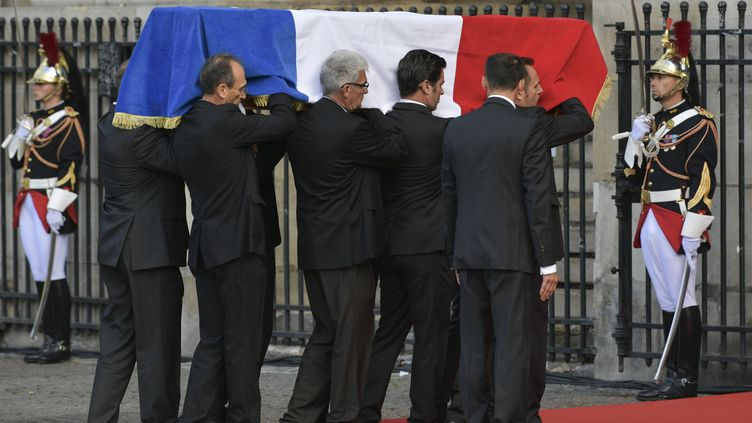 Le cercueil de Jacques Chirac à l'église Saint-Sulpice à Paris, le 30 septembre 2019. (ALEXEI DRUZHININ / SPUTNIK / AFP)