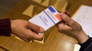 Vote à Meaux (Seine-et-Marne) lors du second tour des départementales, le dimanche 29 mars 2015. (GEOFFROY VAN DER HASSELT / ANADOLU AGENCY/AFP)