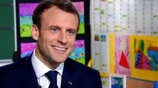 Emmanuel Macron, sur TF1, le 12 avril 2018. (MAXPPP)