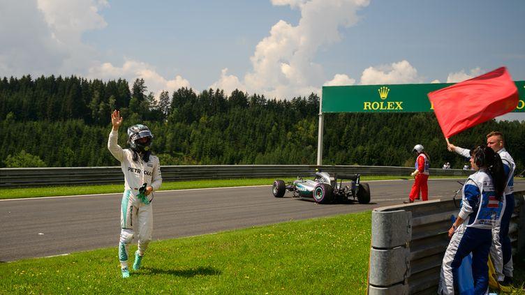 L'Allemand Nico Rosberg, dont la Mercedes a connu un problème mécanique lors des essais libres du GP d'Autriche (JURE MAKOVEC / AFP)