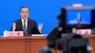 Le ministre chinois des Affaires étangères, Wang Yi, dimanche 24 mai 2020 à Pékin. (LI HE / XINHUA / AFP)