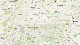 L'homme, qui faisait partie d'un groupe de 21touristes français, était assis au premier rang du car, qui roulait sur une route d'altitude, dans le Tyrol (Autriche). (GOOGLE MAPS)