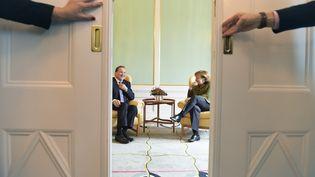 Le Premier ministre suédois,Stefan Lofven,reçoit la chancelière allemande, Angela Merkel, le 31 janvier 2017 à Stockholm (Suède). (HENRIK MONTGOMERY / TT NEWS AGENCY / AFP)