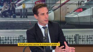 """Jean-Baptiste Djebbari, ministre délégué aux transports, était l'invité du """"8h30 franceinfo"""" le 23 juillet 2020 (capture écran). (FRANCEINFO / RADIOFRANCE)"""
