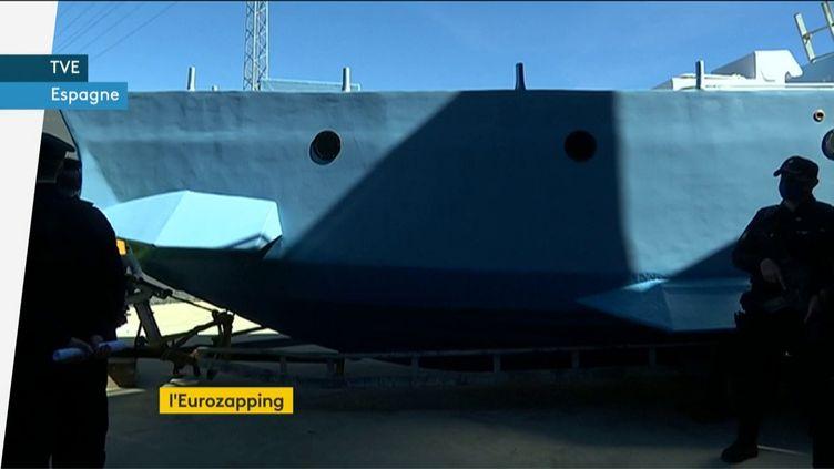Un sous-marin fabriqué artisanalement renfermait 400 kg de cocaïne (FRANCEINFO)