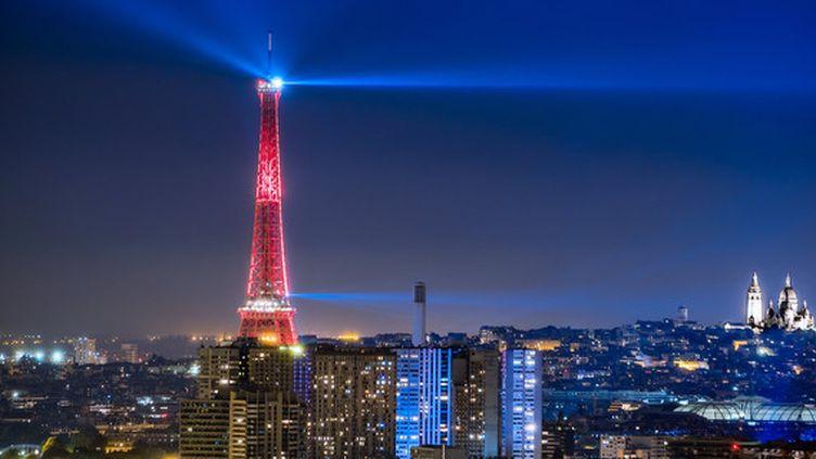La tour Eiffel, pendant l'Euro 2016. (JFK / APA-PictureDesk / APA / AFP)