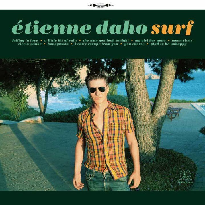 La pochette de Surf, l'album de reprises d'Etienne Daho publié à l'occasion de l'édition 2020 du Disquaire Day, dont il est le parrain. (PARLOPHONE)